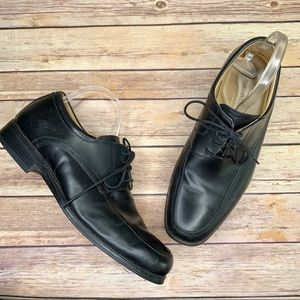Johnston & Murphy Oxford Lace Up Square Toe Shoes
